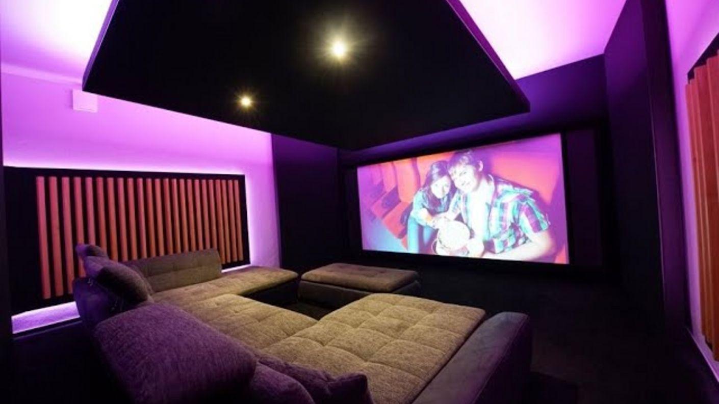 4K Atmos Heimkino mit Wohnraumfeeling von Hollywood-Zuhause - Heimkinobau, Planung & Kalibrierung